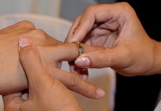 Aantal huwelijken historisch laag als gevolg van coronacrisis, ook echtscheidingen dalen