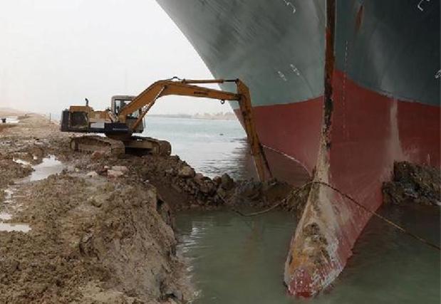 """""""Geblokkeerd Suezkanaal kost tot 10 miljard dollar per week"""""""