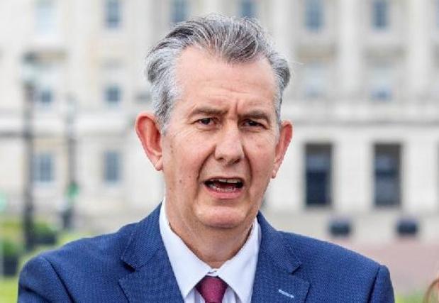 """Leider unionisten beschuldigt Dublin ervan Noord-Ieren te willen """"uithongeren"""""""