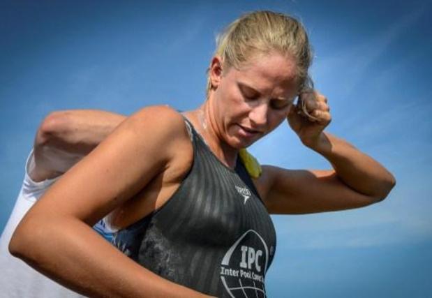 Une nageuse australienne bat de record masculin du nombre de traversées de la Manche