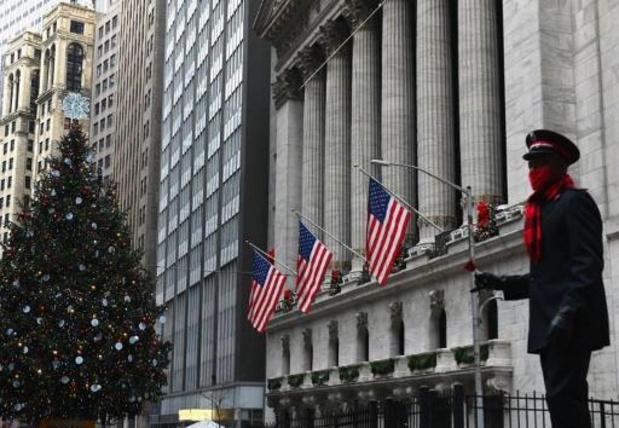 Wall Street termine dans le rouge, le Nasdaq prend l'eau