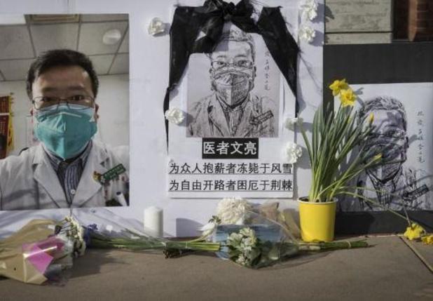 Chinezen brengen eerbetoon aan eerste arts die waarschuwde voor corona
