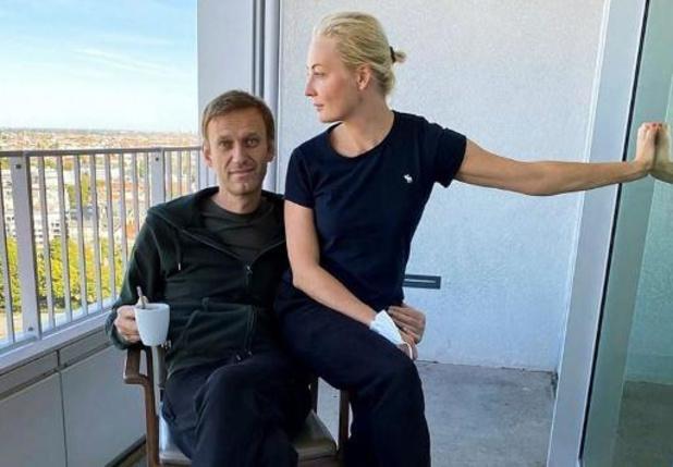 "Navalny est sorti de l'hôpital, un rétablissement complet ""possible"""