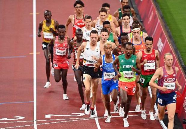 Robin Hendrix prend la porte en séries sur 5.000 m