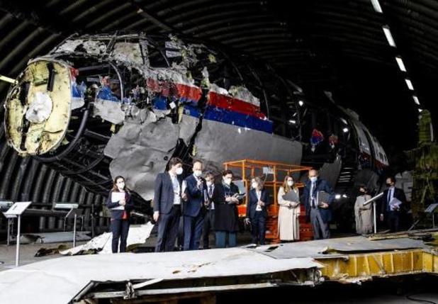 Vol MH17: des juges néerlandais inspectent l'épave dans le cadre du procès