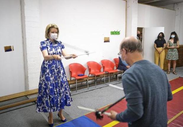 La reine Mathilde rend visite à des élèves de handicirque à Bruxelles