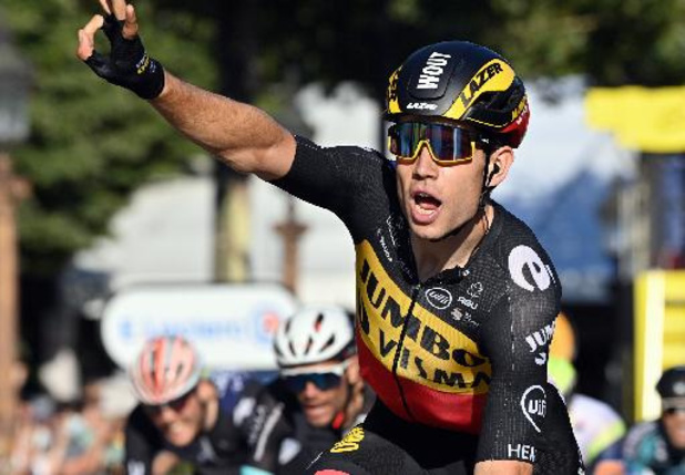 Wout van Aert wint openingsrit van Ronde van Groot-Brittannië