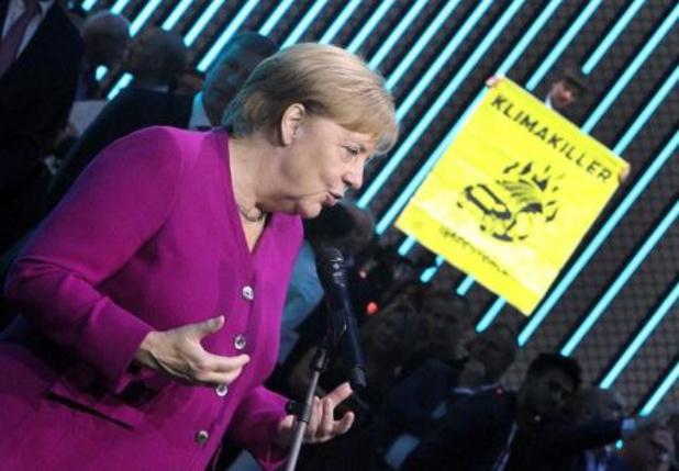 Climat - Voiture électrique: Merkel veut mettre le turbo sur les bornes de recharge