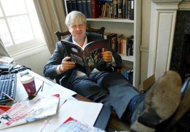 Boris Johnson reageert op de behandeling voor corona