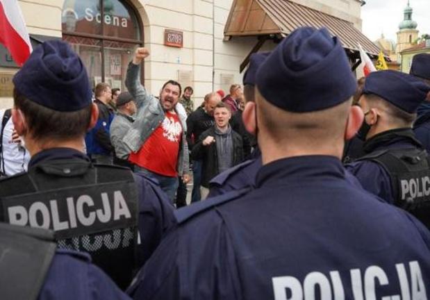 Coronavirus - Arrestaties bij protesten tegen coronamaatregelen in Polen