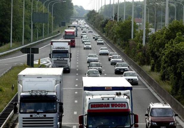 Circulation plus étalée sur les routes wallonnes, en baisse à Bruxelles