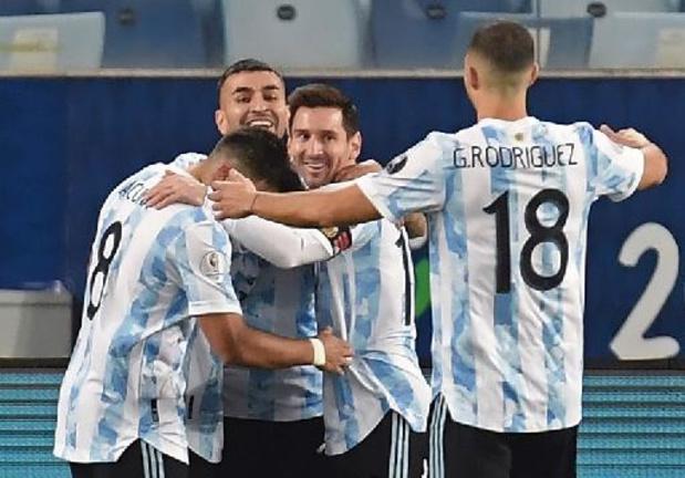 Messi kleurt recordinterland met twee treffers op Copa America