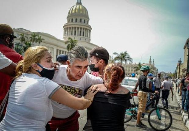 Cuba: Tientallen willekeurige arrestaties en internet geblokkeerd