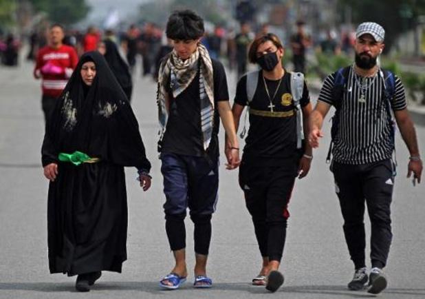 Irak: des dizaines de milliers de pèlerins rassemblés malgré le coronavirus
