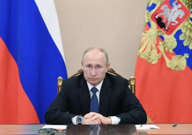 Russische president Poetin wacht officieel resultaat af