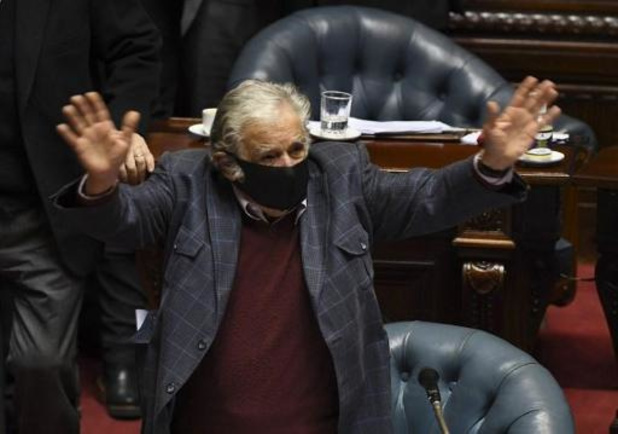 "Uruguay: l'ex-président ""Pepe"" Mujica se retire de la vie politique"