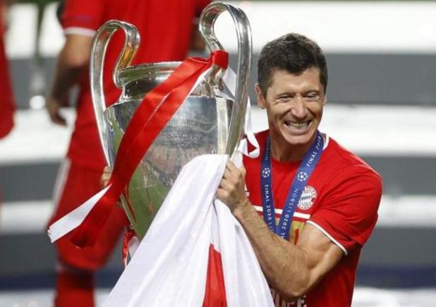 Robert Lewandowski est élu Joueur UEFA de l'année au détriment de Kevin De Bruyne et Neuer