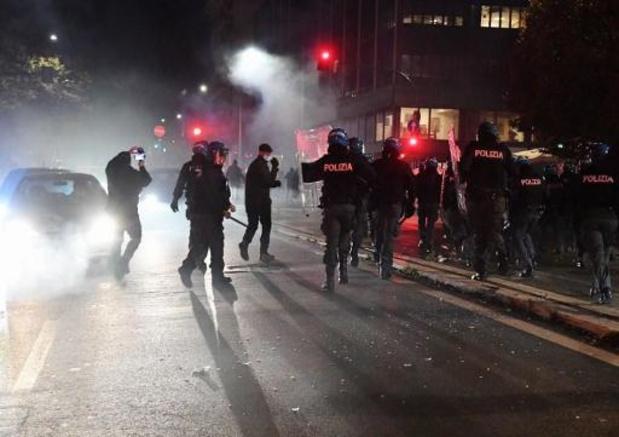 Coronavirus - Botsingen tussen extreemrechtse manifestanten en politie in Rome