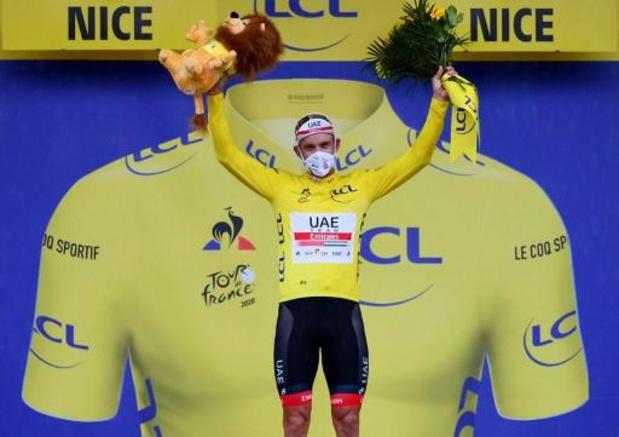 Tour de France - Kristoff sprint naar winst en geel in ontsierde openingsrit