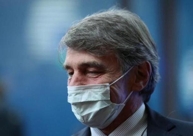Europees Parlement houdt minuut stilte voor vermoorde leraar
