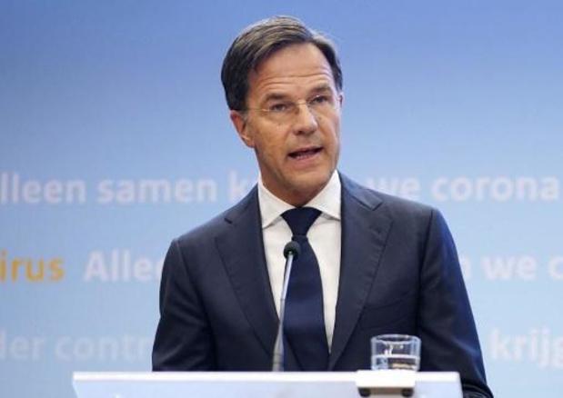 Les Pays-Bas recommandent le port du masque dans les espaces publics intérieurs
