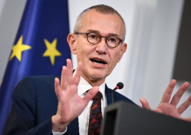 Combinatie coronatests worden onderzocht, zegt minister Vandenbroucke