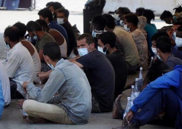 Des ONG accusent l'Italie de retarder une mission