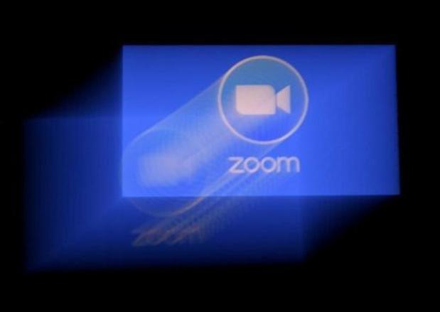 Zoom accède aux demandes chinoises et ferme des comptes