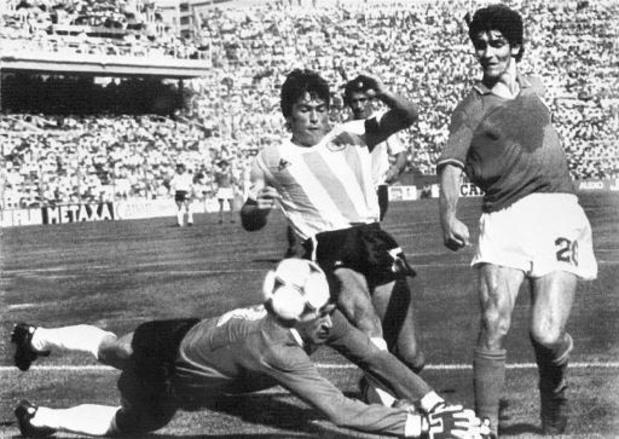 Paolo Rossi overleden: UEFA kondigt moment van stilte aan voor alle Europa League-wedstrijden