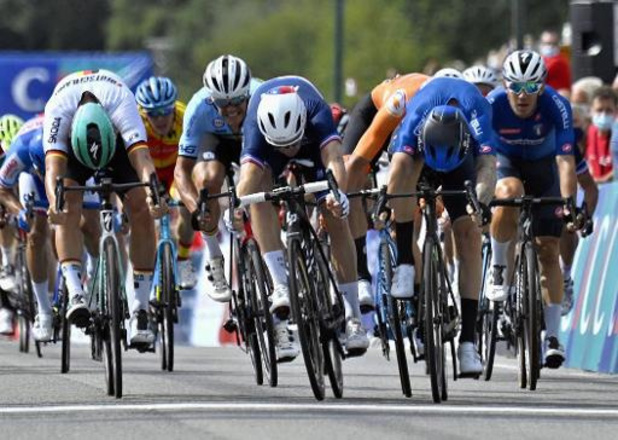 """Euro de cyclisme - Nizzolo sacré champion d'Europe: """"Avec un train pareil, je ne pouvais pas perdre"""""""