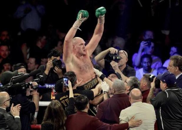 Tyson Fury onttroont Deontay Wilder als WBC-kampioen bij zwaargewichten