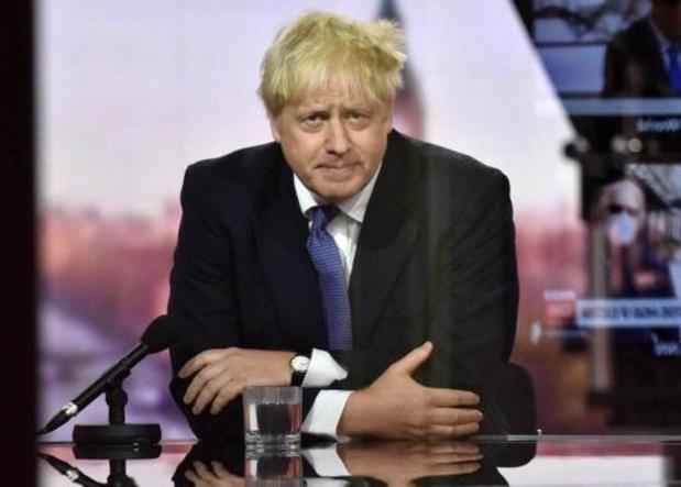 """Le Royaume-Uni peut """"très bien vivre"""" avec un no-deal, estime Johnson"""