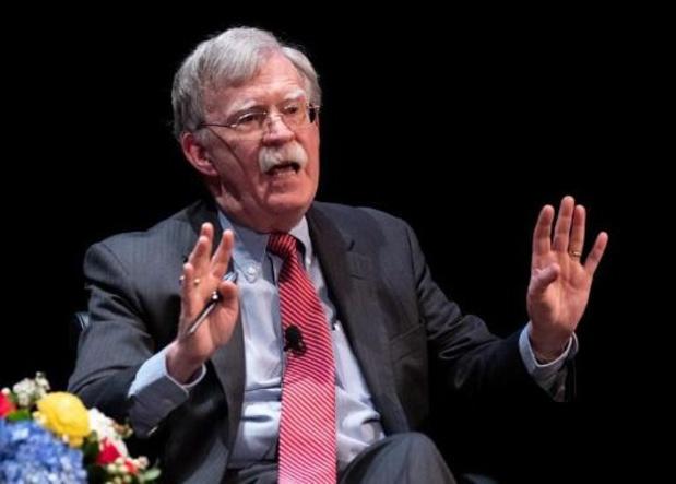 """Trump n'est """"pas apte à la fonction"""" de président, affirme son ex-conseiller John Bolton"""