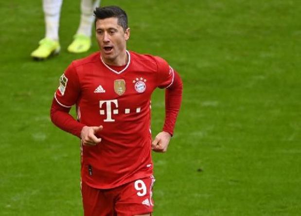 Robert Lewandowski, blessé au genou, absent quatre semaines et indisponible contre le PSG