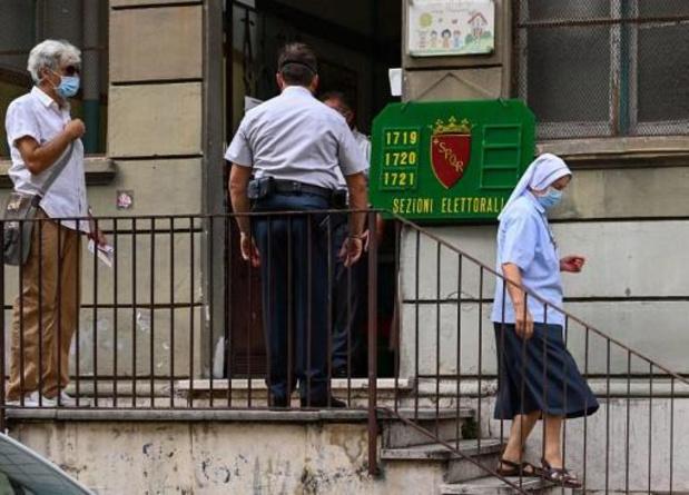 Twaalf miljoen Italianen trekken zondag naar de stembus voor lokale verkiezingen