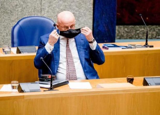Honderden Nederlanders claimen avondklokboete terug