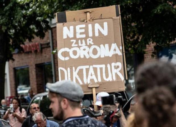 Duizenden demonstranten in Berlijn tegen coronastrategie regering