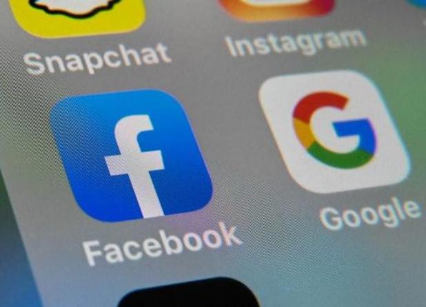 Facebook-gebruikers kunnen foto's straks overzetten naar Google
