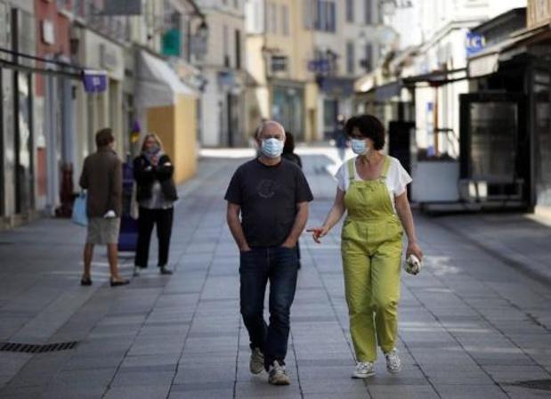 Académie royale de Médecine de Belgique adviseert burgers om stoffen mondmaskers te dragen