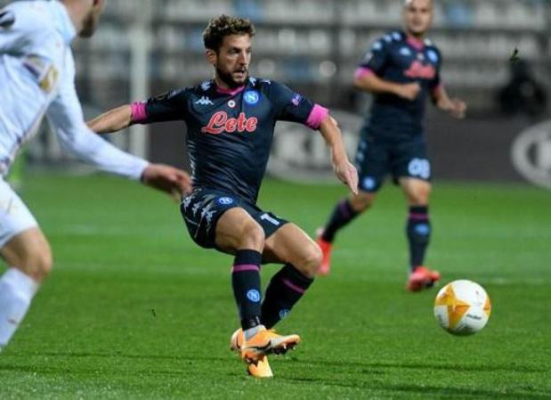 Belgen in het buitenland - Mertens en Januzaj, met Napoli en Sociedad, delen leiding in groep F met AZ Alkmaar