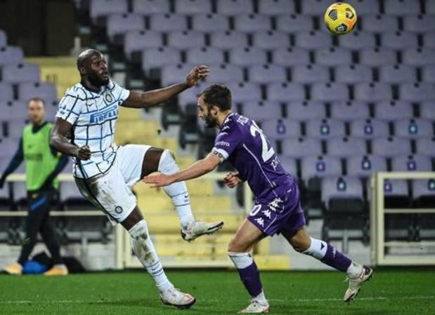 Belgen in het buitenland - Inter zet met overwinning op Fiorentina (0-2) stadsrivaal Milan onder druk