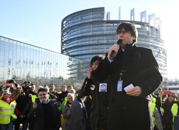 Puigdemont neemt zetel in Europees Parlement in