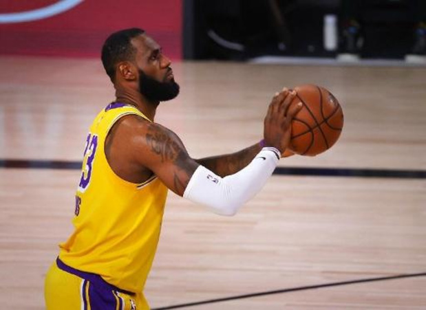 Lakers verslaan Miami in eerste finalewedstrijd