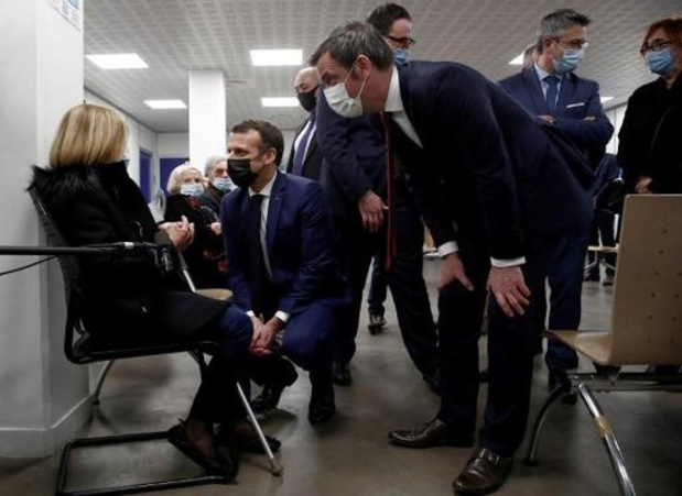 """Coronavirus - France: l'utilisation du vaccin AstraZeneca étendue aux """"65-75 ans"""" avec """"comorbidités"""""""