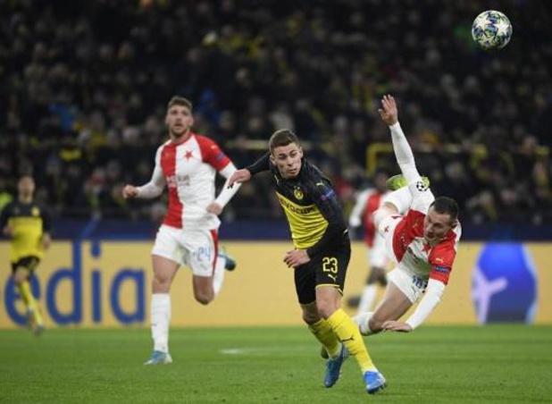 Belgen in het buitenland - Thorgan Hazard speelt met Dortmund gelijk tegen leider Leipzig
