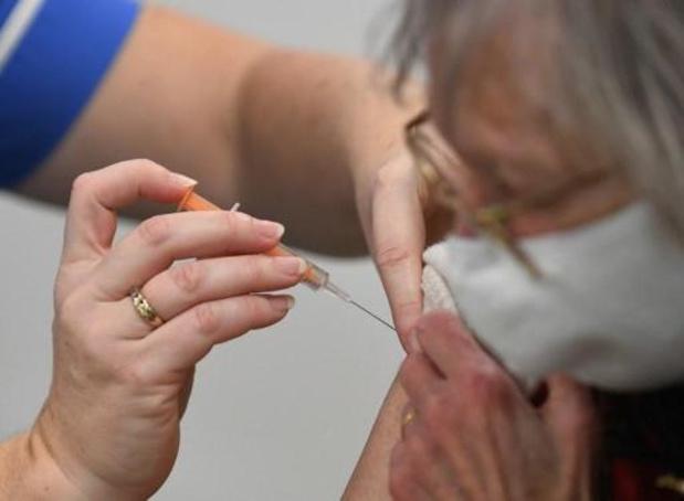Londen start met inentingen met vaccin in apotheken