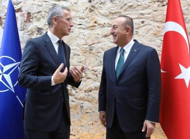 "Le chef de l'Otan exhorte Ankara à agir ""avec retenue"""