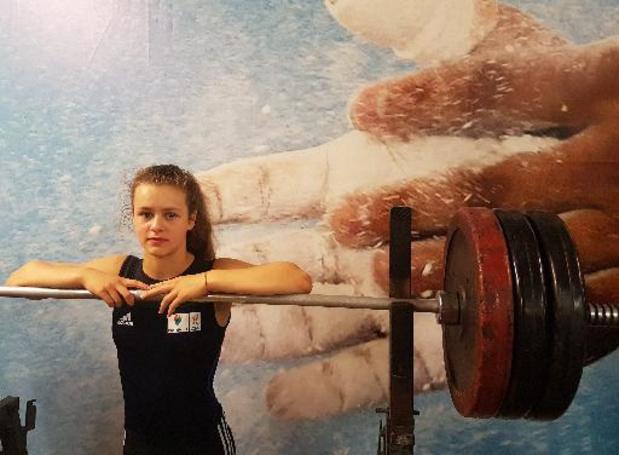 WK gewichtheffen junioren - Nina Sterckx verovert zilver