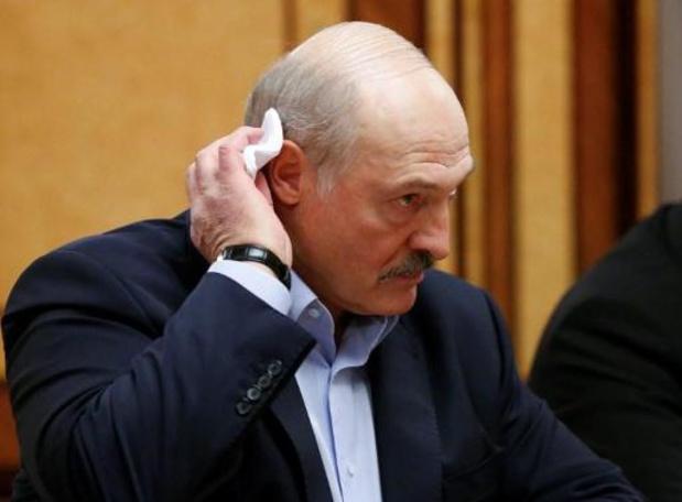 President Wit-Rusland roept op om te blijven werken ondanks virus