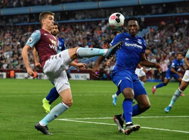 Belgen in het buitenland - Liverpool klopt Aston Villa in blessuretijd, doelpunt en assist voor Trossard
